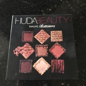 🌸Huda Beauty Mauve Obsession Eyeshadow Palette🌸